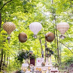 Hot Air Balloon Paper Lantern Set In Gold And White (package of 3)